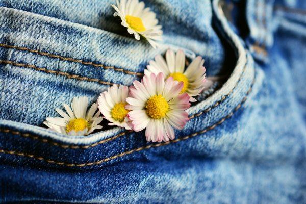 Comment des connaissances en couture vous aide à rester tendance?